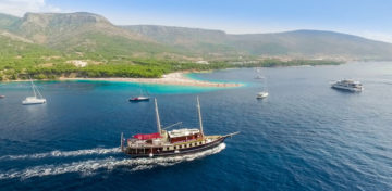 sailing wedding croatia.jpg